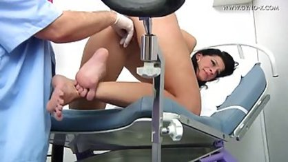 Mature doctor handjob picks and the cap of a young client