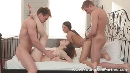 Two Kent had stopped to visit her friends to fool around with them doing group sex